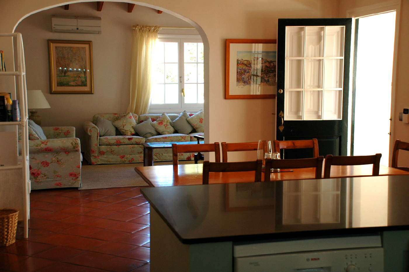 menorca-kitchen-dining-room