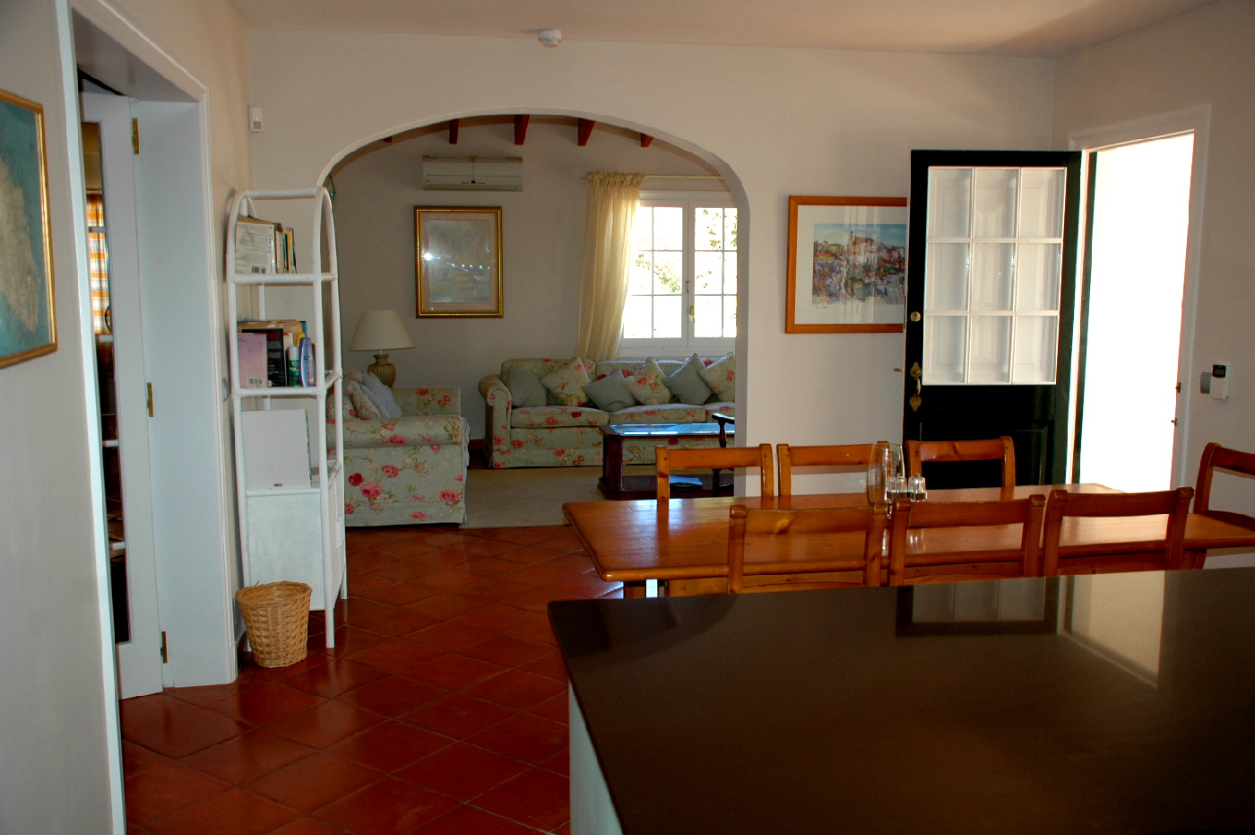 menorca-kitchen-dining-room2